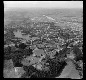 Wanganui, showing Virginia Lake and Saint John Hill and Great North road, looking inland to Aramoho and the Wanganui River beyond
