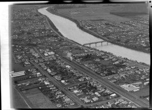 Whanganui showing railway bridge, Whanganui East