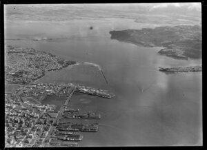 Auckland city and port