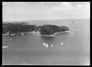 Yacht race, Hauraki Gulf, Auckland Region showing Mansion House Bay, Kawau Island