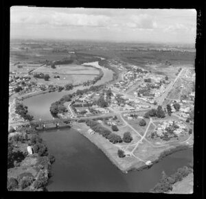 Ngaruawahia, Waikato, view south to town at the confluence of the Waikato River and Waipa River with the Great South Road through town, farmland beyond