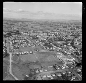 Te Awamutu College, Waikato, view over playing fields and buildings looking east with North Street, Tawhiao Street, Mangapiko Street, Mahoe Street and Alexander Street to town center, with farmland beyond