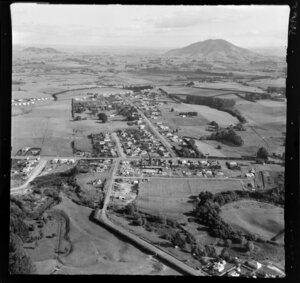 Te Awamutu, Waikato, view over the outskirts of town to farmland and Mt Kakepuku beyond