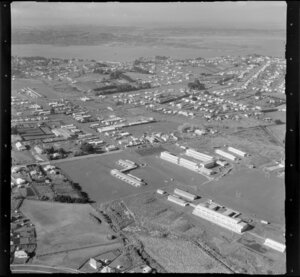 Grammar School, Mount Roskill, Auckland, including industrial area