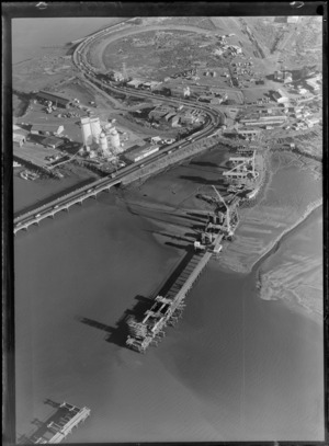 Coronation Road bridge and construction of the new South Western Motorway bridge, connecting Onehunga and Mangere, Auckland