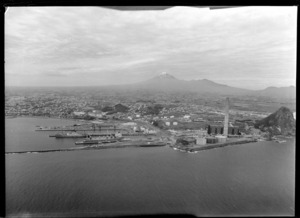 Port of New Plymouth with Paritutu