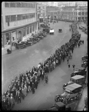 Unemployed march on Wakefield Street, Wellington, to Parliament
