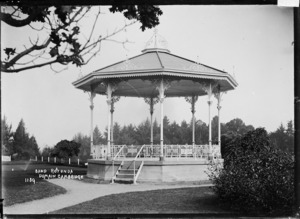 Band rotunda at the Domain, Cambridge, ca 1910s