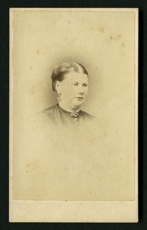 Burton Brothers (Dunedin) fl 1868-1896 :Portrait of Mrs Rattray