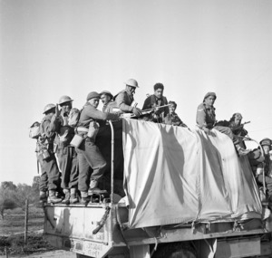The first New Zealand troops to enter Tripoli; World War 1939-1945.