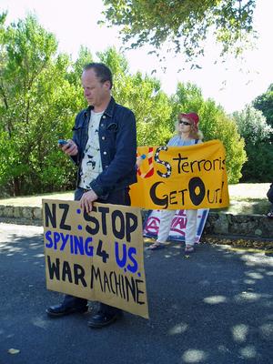Photographs of an anti-Iraq War protest, Wellington