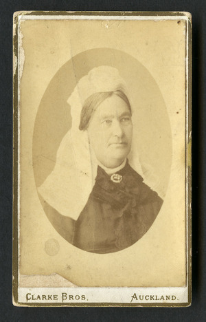 Clarke Brothers (Auckland) fl 1878: Portrait of unidentified woman
