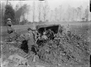 New Zealand forward 18 pounder gun in action, Le Quesnoy, France