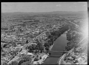 Hamilton, Waikato, showing bridges over Waikato River