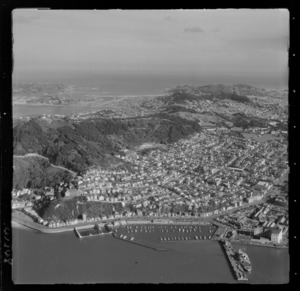Te Aro Flat and the suburb of Mount Victoria with Oriental Bay, Marina and Clyde Quay in foreground, Wellington City