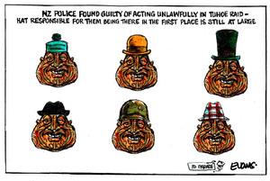 Evans, Malcolm Paul, 1945- :[The Tuhoe Raid]. 23 May 2013