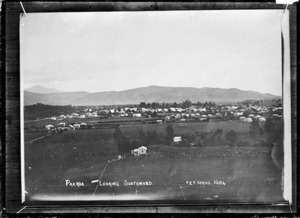 Paeroa, looking Southward, ca 1918 - Photograph taken by Fred. E Flatt