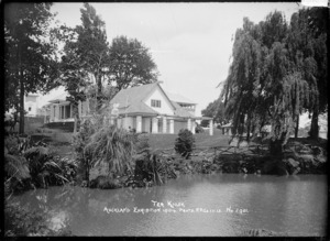 View of the Tea Kiosk, Auckland Domain during the Auckland Exhibition