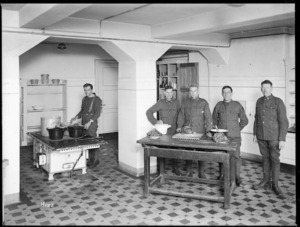 New Zealand soldiers at an educational cooking class in Mulheim, Germany, 1919