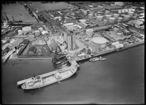 Auckland wharves and cement silos