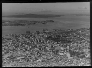 Auckland City with Waitemata Harbour, Albert Park and Freemans Bay