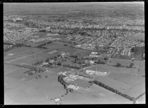 Hamilton East, with Peachgrove Road in centre and Ruakura Farm in foreground