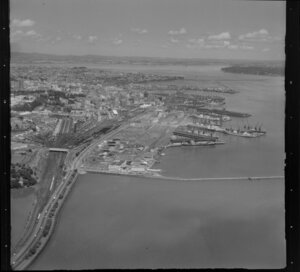 Auckland wharves, Auckland City