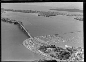 Point Erin Park and Auckland Harbour Bridge