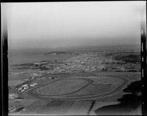 Oamaru, showing racetrack