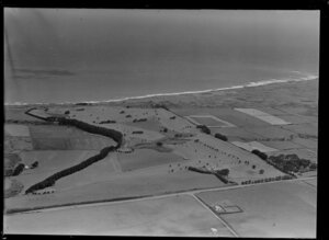 Golf course and beach, New Plymouth