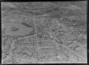 Newmarket Borough, Auckland City, view east showing Auckland Domain with Auckland Public Hospital, Park Road and Carlton Gore Road, Khyber Pass Road, Mount Eden Prison, railway line, Auckland Grammar School, Remuera and Hobson Bay beyond