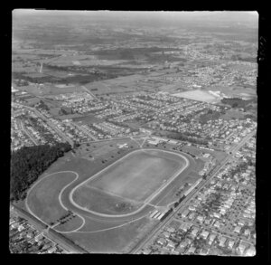 Hamilton, Waikato, view over Claudelands Show Grounds (now Jubilee Park) with Boundary Road, Heaphy Terrace and Brooklyn Road, looking south to farmland beyond